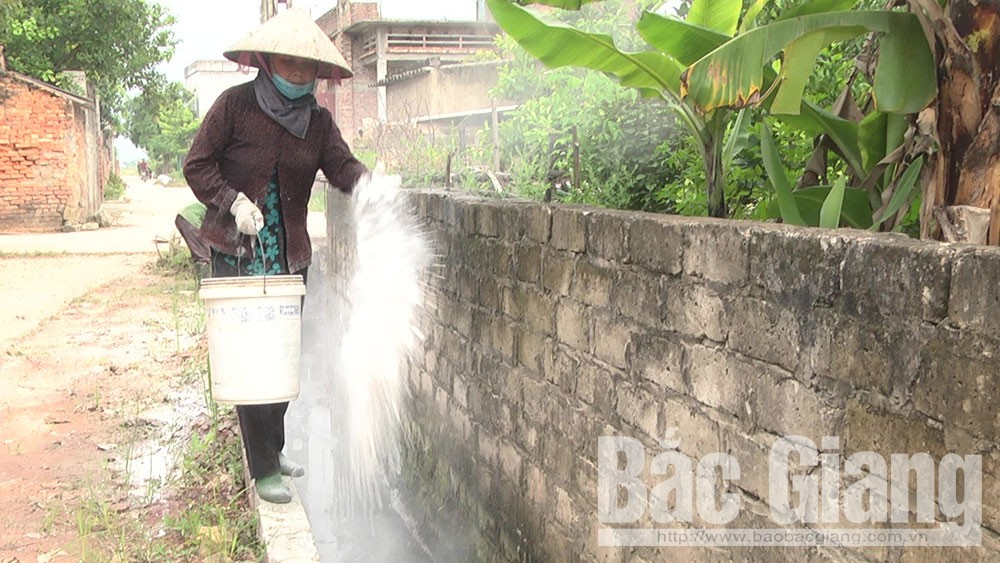 Hoàn thành phun tiêu độc, khử trùng môi trường đợt hai